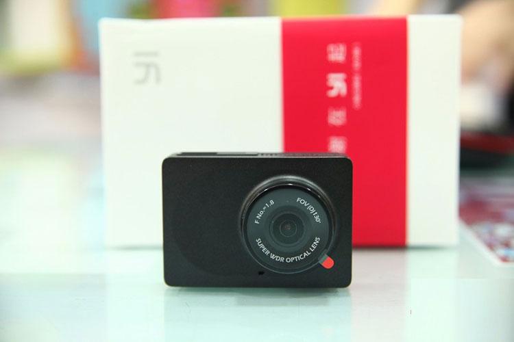 Camera-hanh-trinh-tot-nhat-cho-oto-2